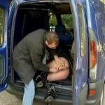 imagen extrema follada a una vieja en la furgoneta
