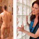 imagen espiando a un jovencito en la ducha