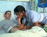 imagen Enfermera reanimando a un paciente