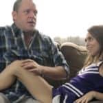 imagen Jovencita pone cachondo a su padre