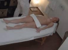 imagen Rubia muy guapa follada en salón de masajes