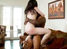 imagen Delgadita muy blanca que le gusta montar hombres negros