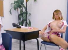 imagen La alumna más puta por fin seduce al profesor