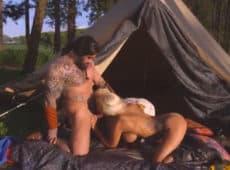 imagen Una fiesta de disfraces donde Conan se folla a dos rubias