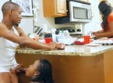 imagen Suertudo follando a la amiga de su esposa